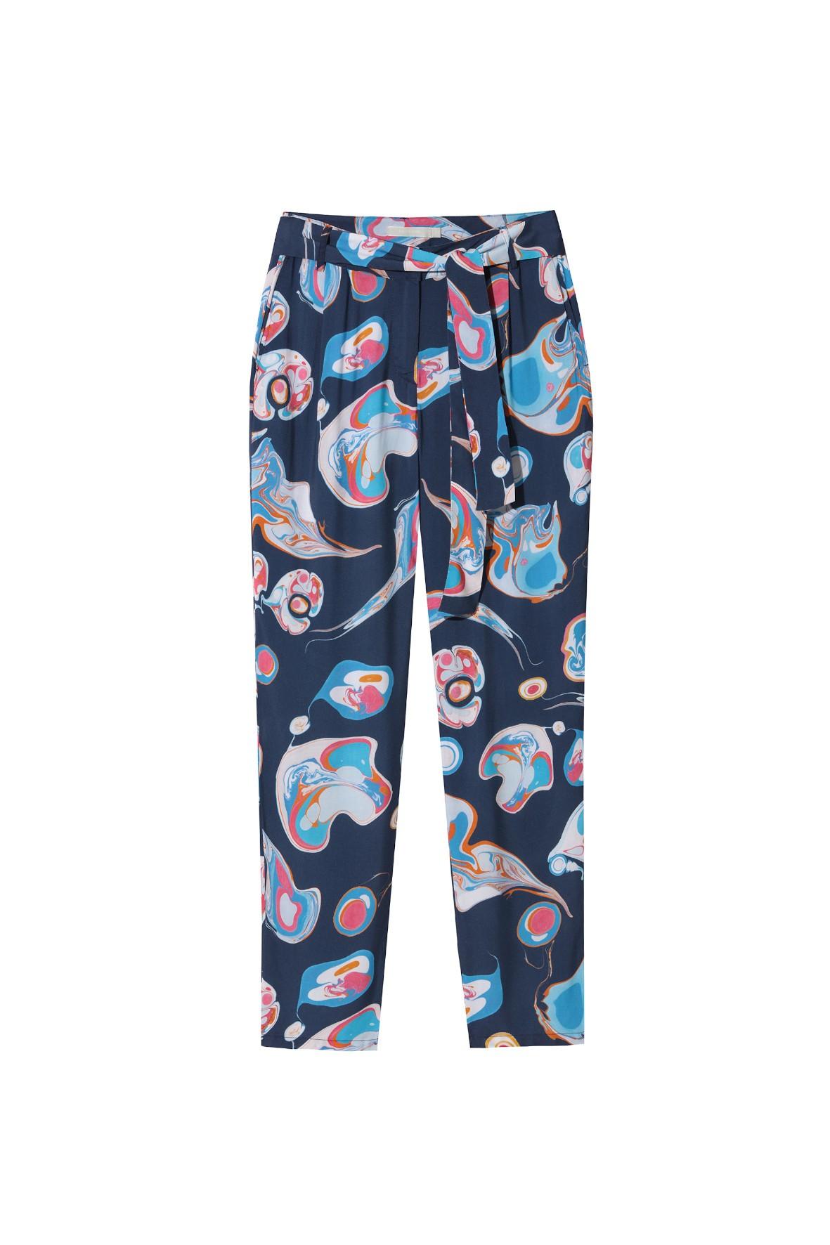 Wzorzyste spodnie z paskiem