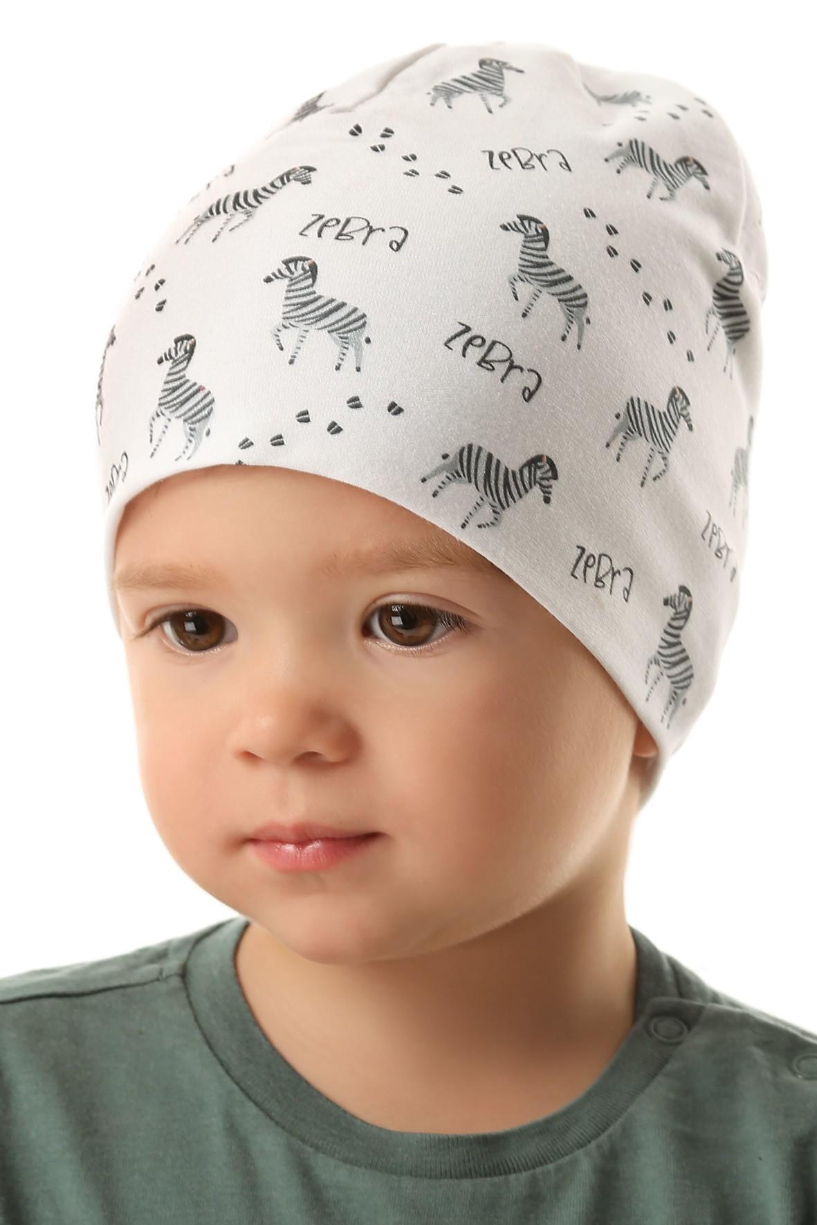 Czapka dziewczęca w kolorze białym w zebry