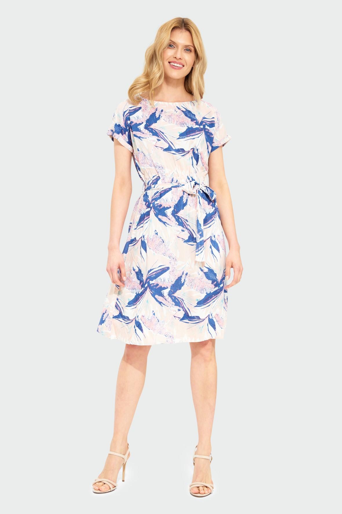 Luźna wiskozowa sukienka z nadrukiem pasek w talii