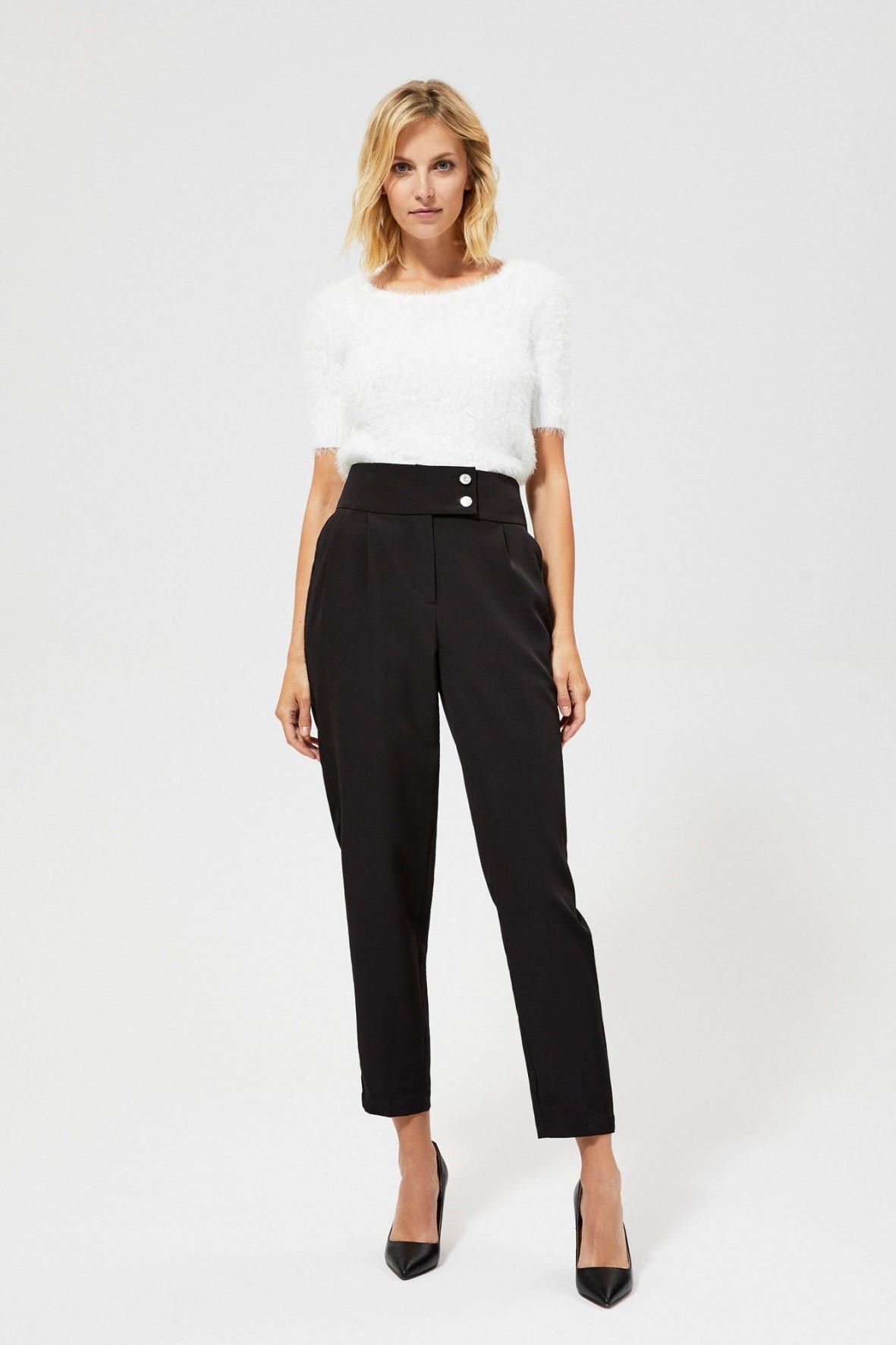 Spodnie dla kobiet- czarne z zakładkami