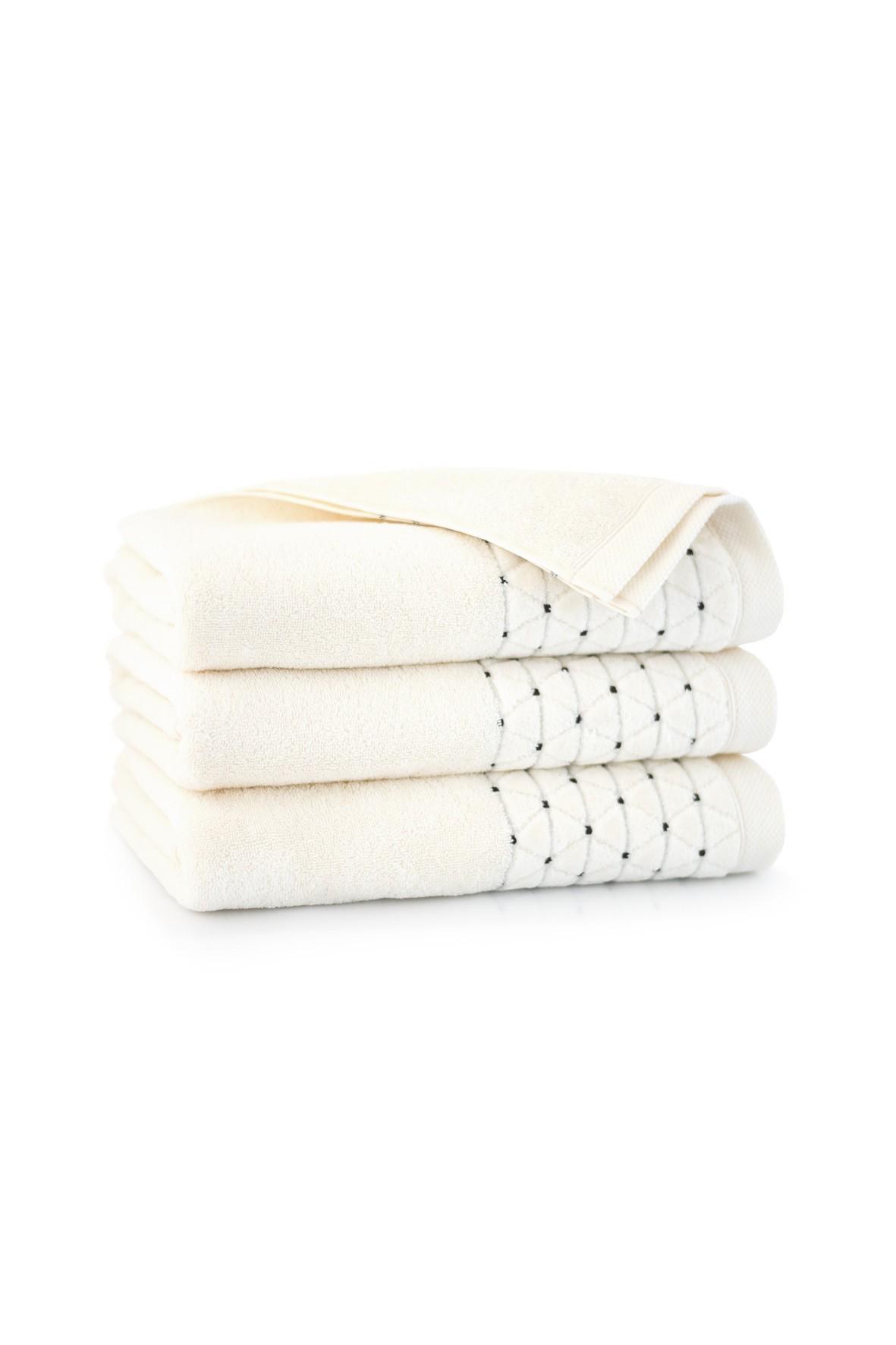 Ręcznik antybakteryjny Oscar z bawełny egipskiej krem- 70x140 cm