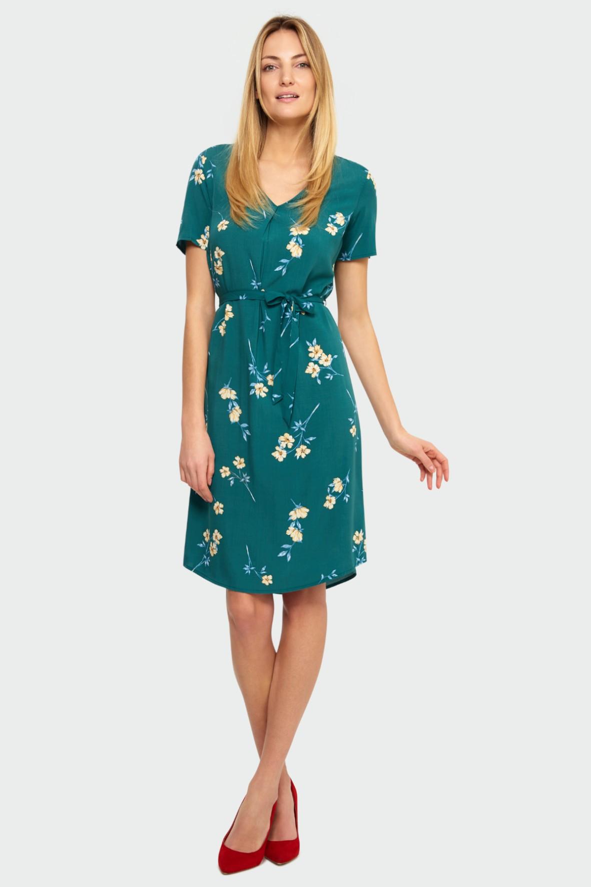Zielona wiskozowa sukienka z kwiatowym nadrukiem - podkreślona talia