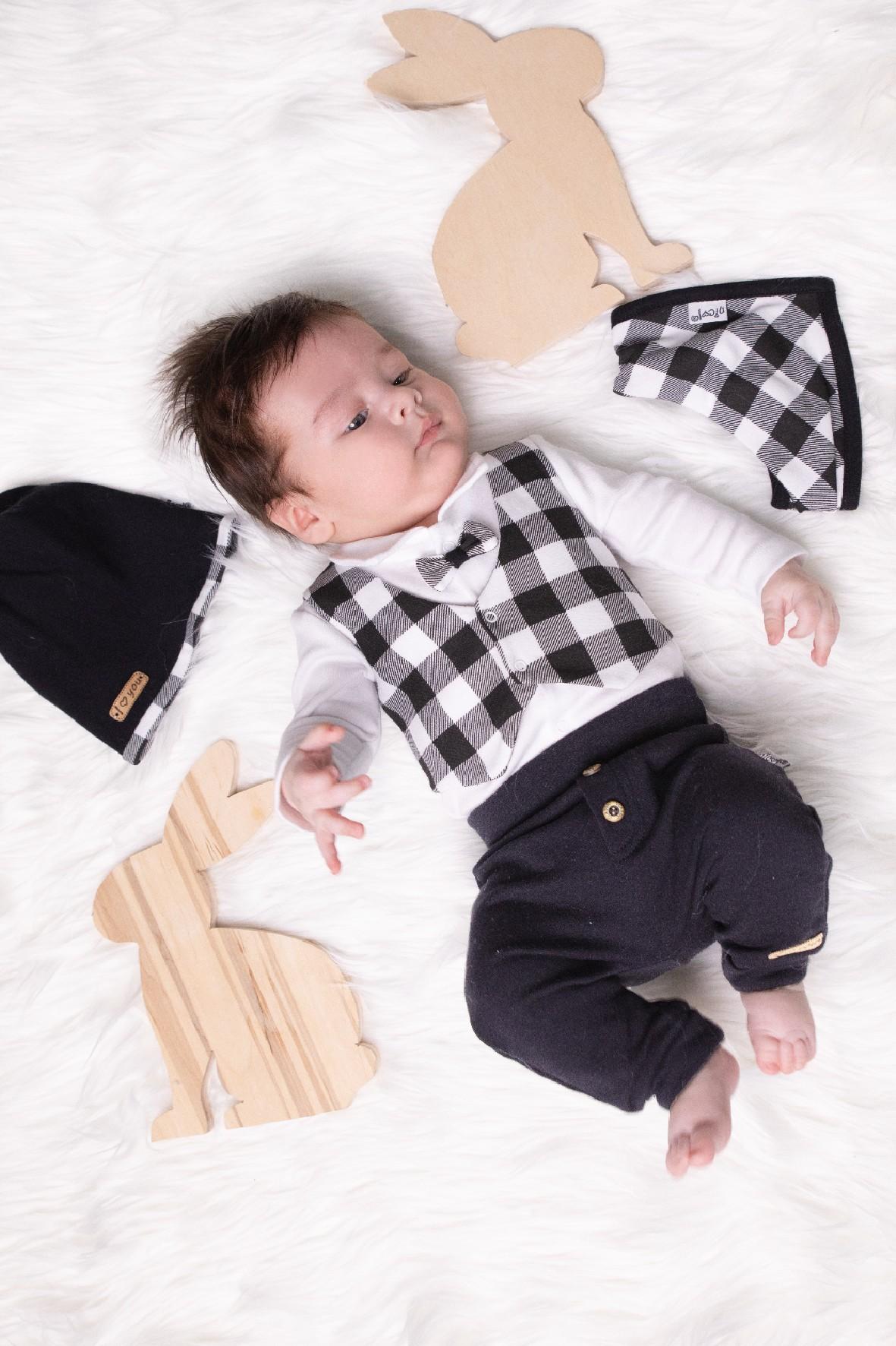 Zestaw bawełnianych ubrań niemowlęcych- 4-częściowy