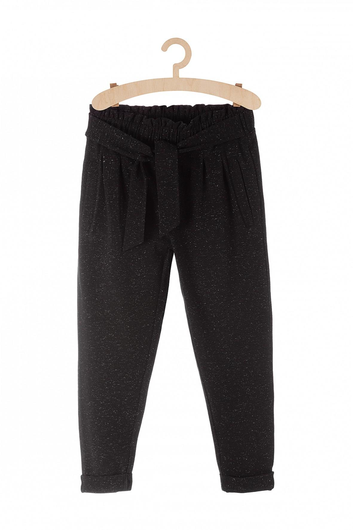 Spodnie dresowe dla dziewczynki- czarne ze srebrną nitką