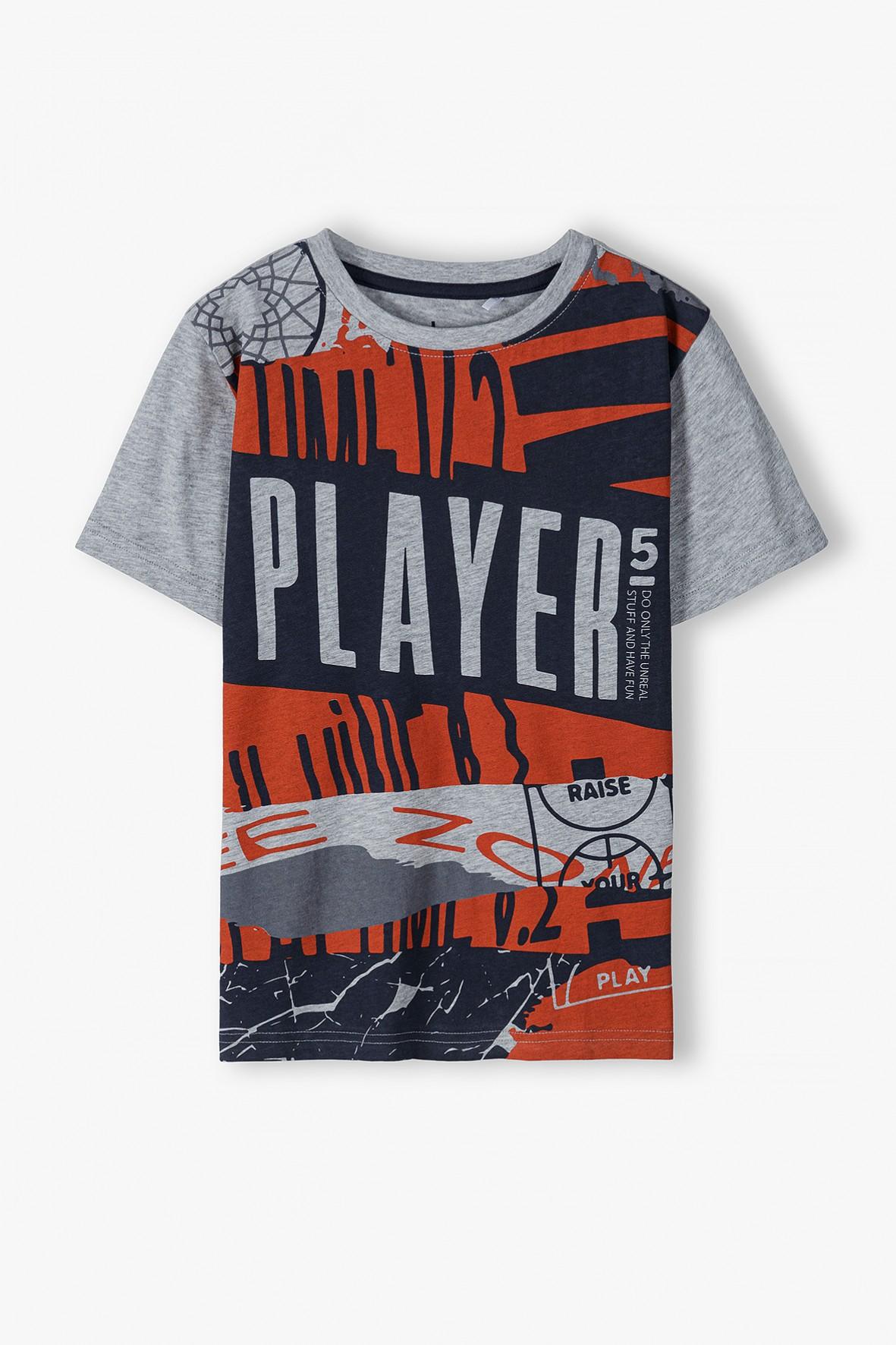 T-shirt chłopięcy w kolorze szarym z mlodzieżowym nadrukiem Player