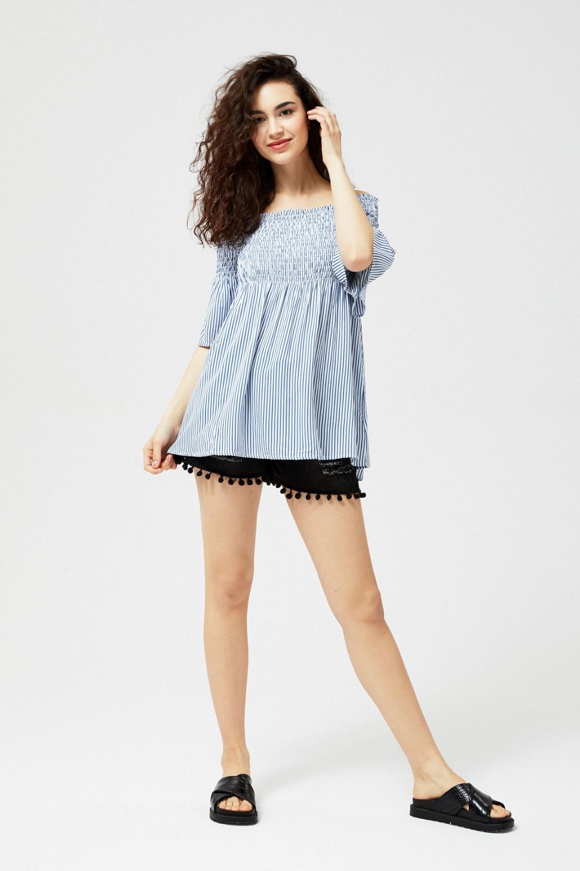 Koszula damska typu hiszpanka biała w niebieskie paski