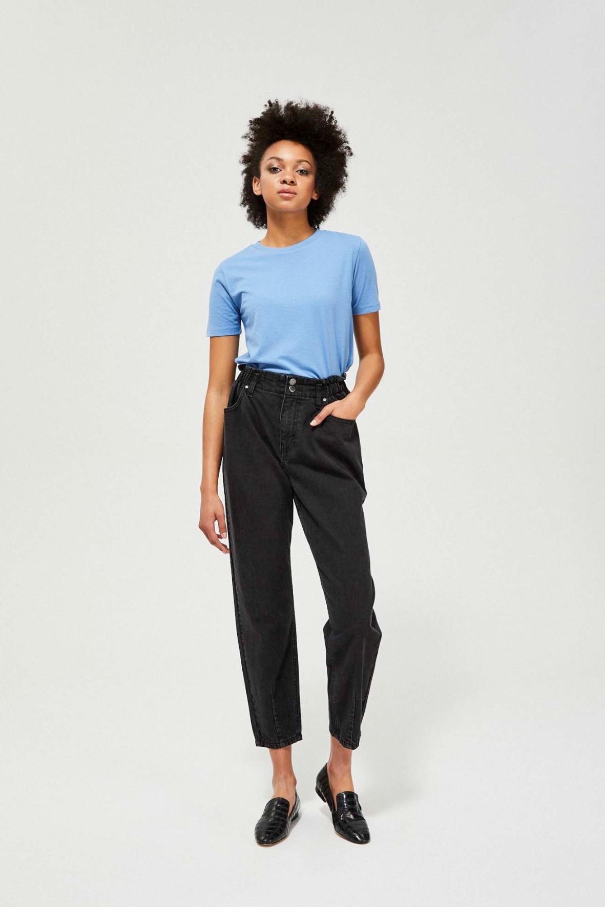 Czarne jeansy damskie typu paperbag