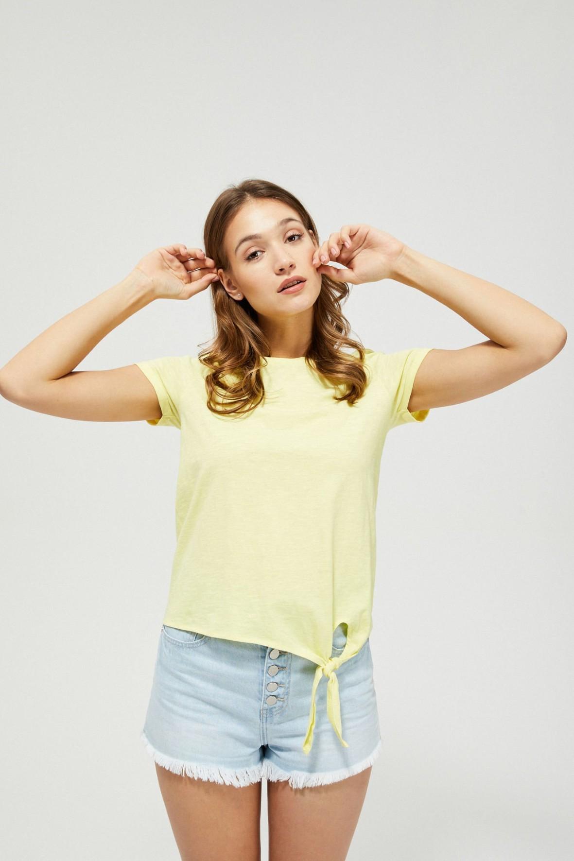 Bawełniany żółty T-shirt damski na krótki rękaw z ozdobnym wiązaniem