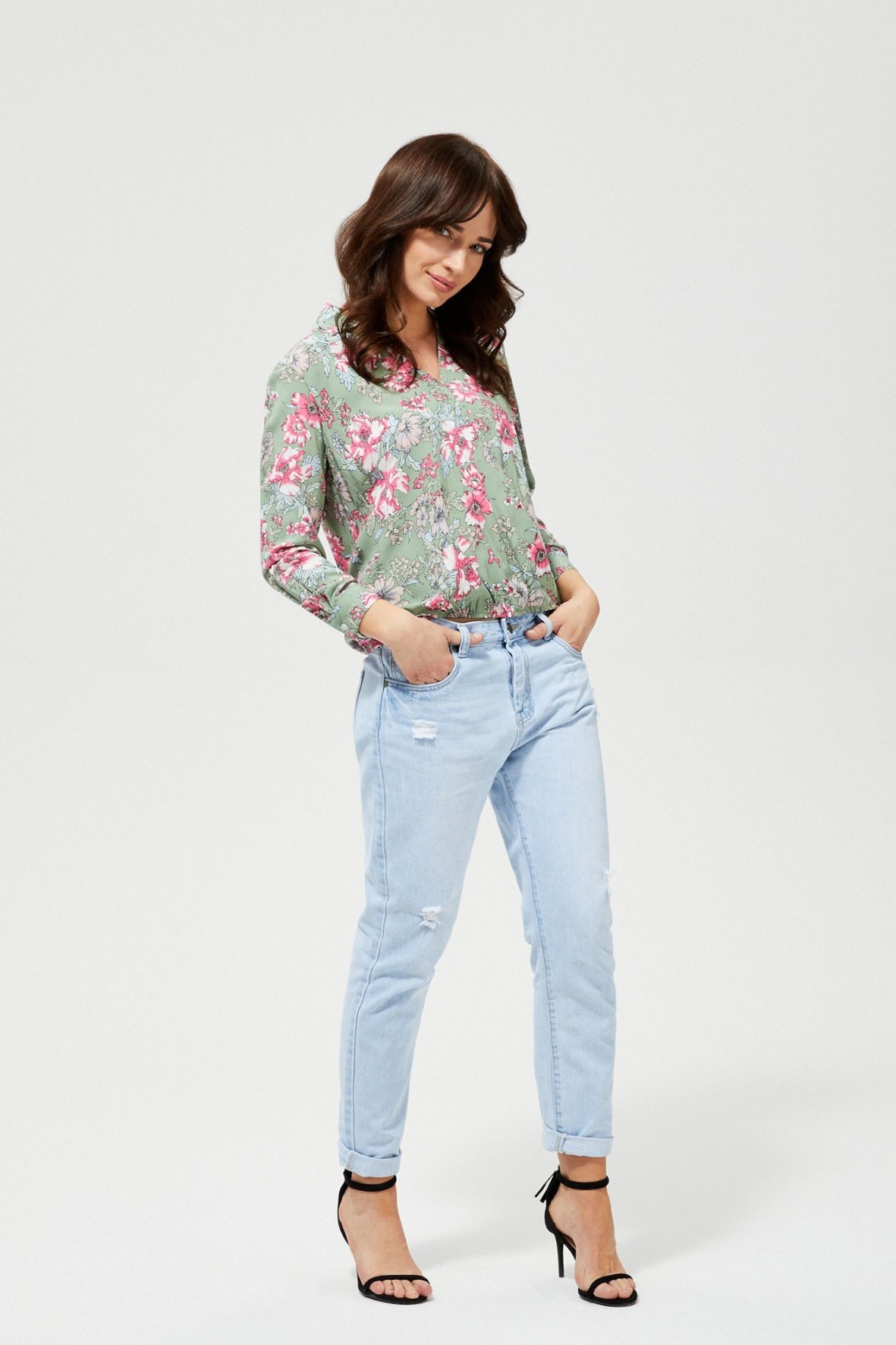 Oliwkowa koszula damska w kwiaty