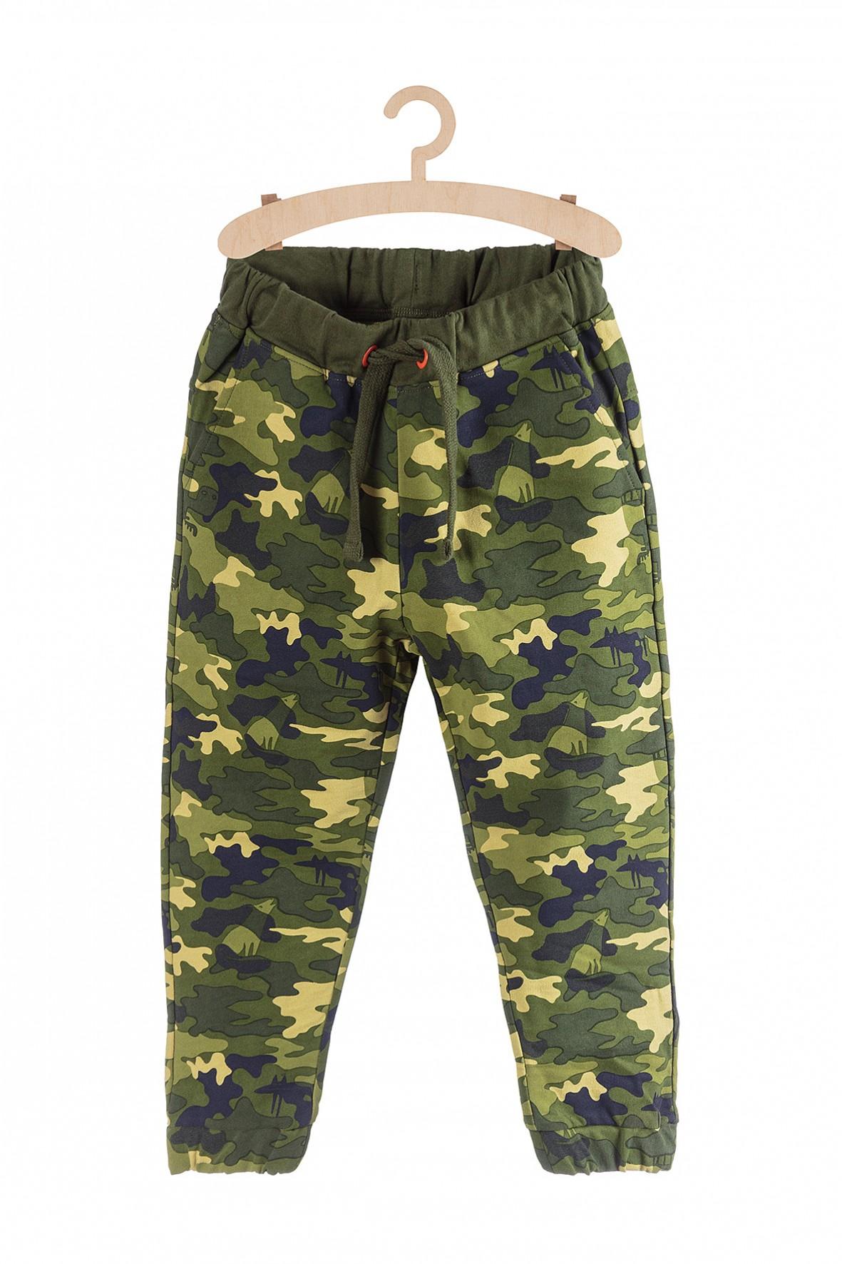 Dresowe spodnie moro dla chłopca