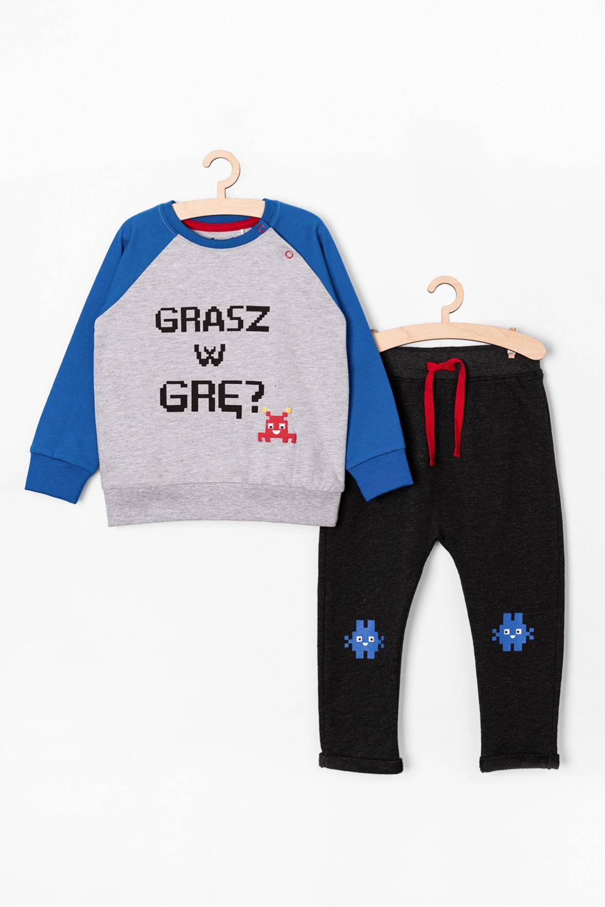 Komplet ubrań dla chłopca- spodnie i bluza z napisem Grasz w grę