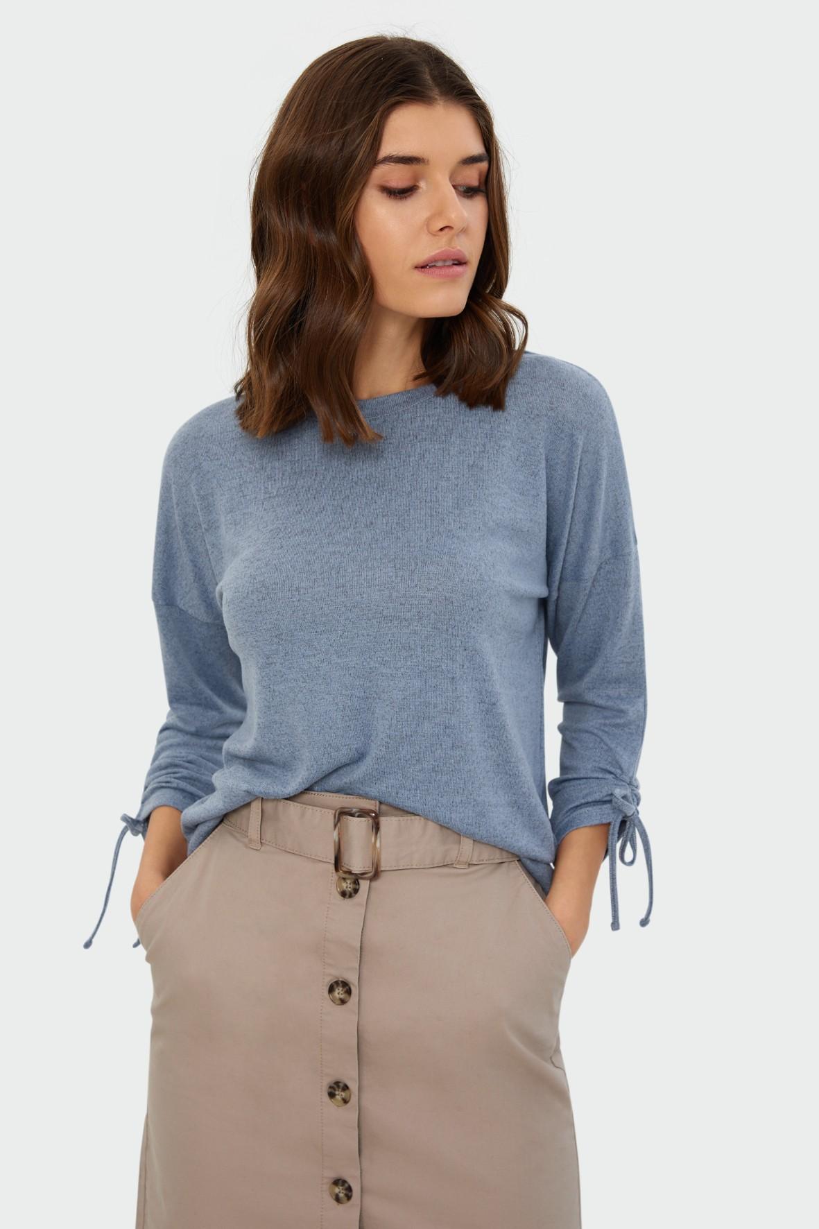 Sweter damski o luźnym kroju