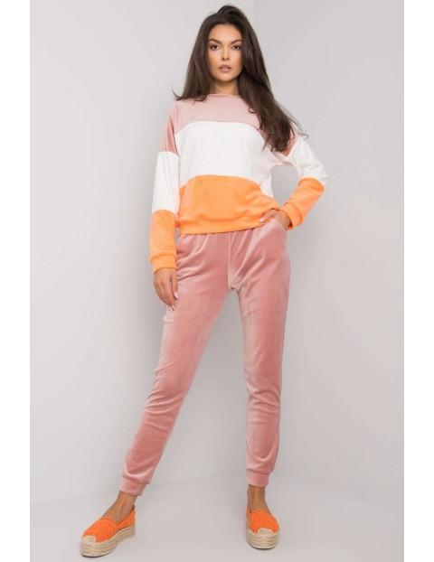 Różowy komplet welurowy damski- bluza i spodnie