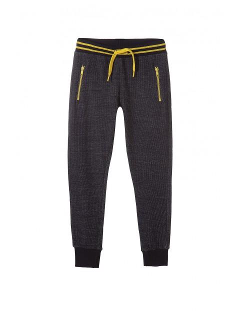 Spodnie dresowe chłopięce 2M3520