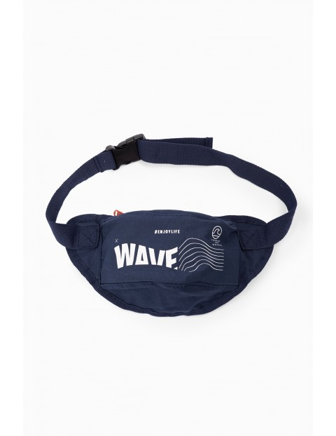 Saszetka-nerka chłopięca granatowa z napisem-Wave