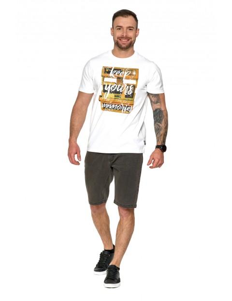 Modna bawełniana koszulka męska z kolorowym nadrukiem