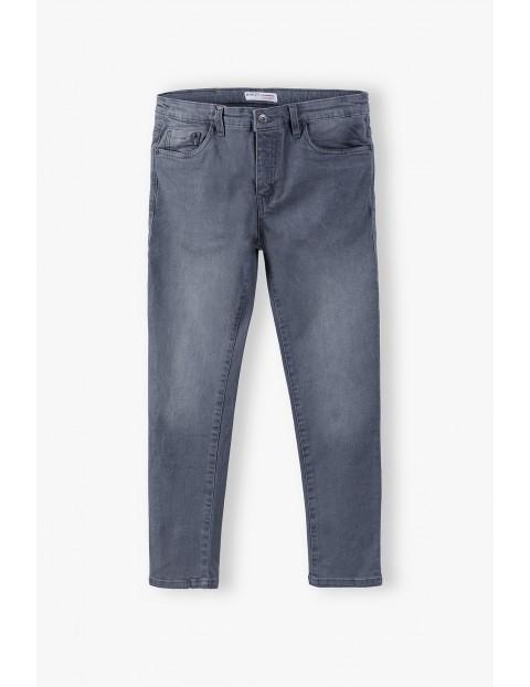 Długie spodnie chłopięce- szare