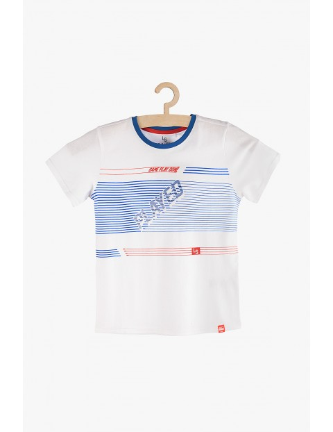T-shirt chłopięcy biały z niebiesko- czerwonymi nadrukami