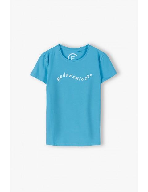 Niebieski T-shirt dziewczęcy z napisem Podróżniczka
