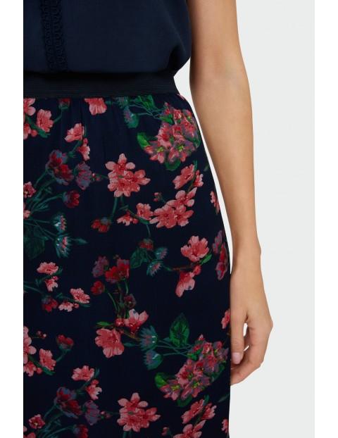 Długa spódnica w kwiaty z falbanką