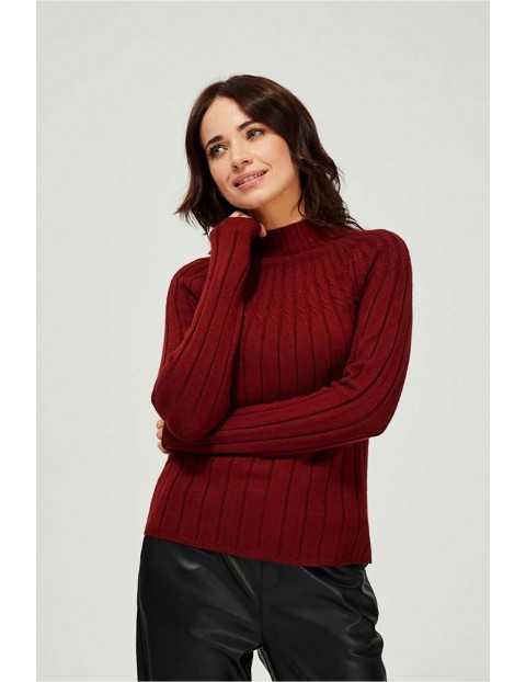Sweter damski w prążki- bordowy