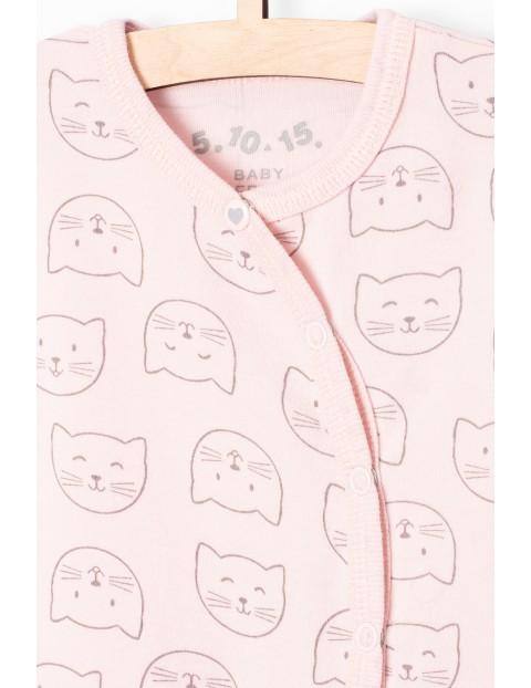 Pajac niemowlęcy różowy w kotki- 100% bawełna