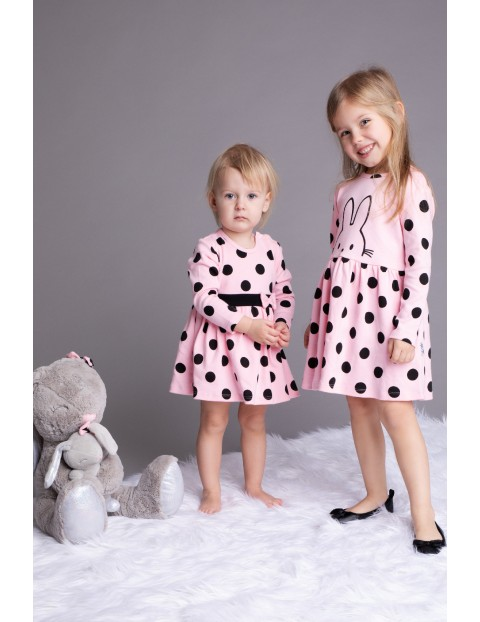 Bawełniana sukienka niemowlęca w grochy- różowa