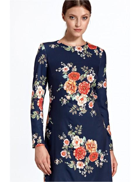 Wzorzysta sukienka w literę A - granatowa w kwiaty