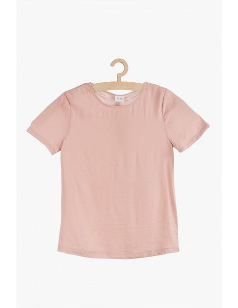 Bluzka damska w kolorze pudrowego różu.