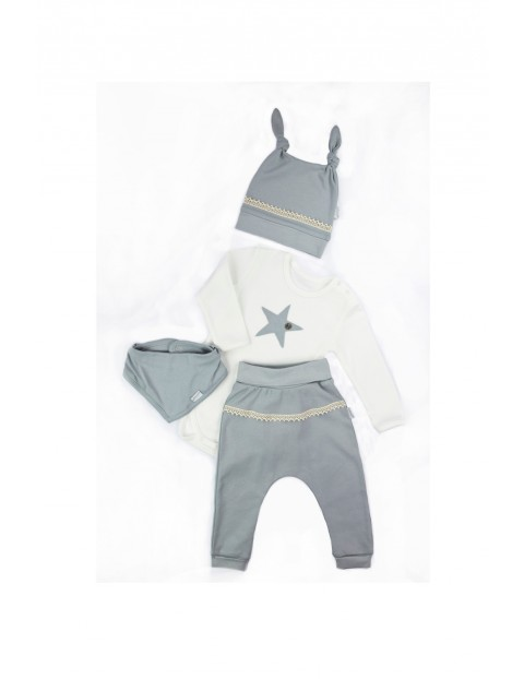 Komplet świąteczny niemowlęcy czapka, apaszka, body, spodnie