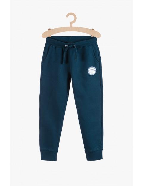 Granatowe spodnie dresowe dla chłopca