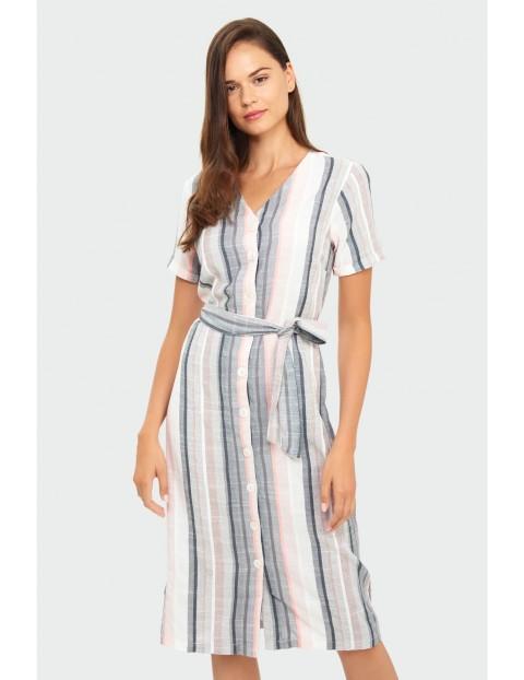 Biała sukienka damska w kolorowe paski z ozdobnym  wiązaniem