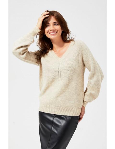 Sweter damski z ozdobnym splotem