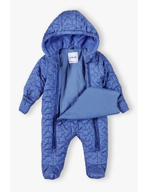Kombinezon niemowlęcy w autka w kolorze niebieskim