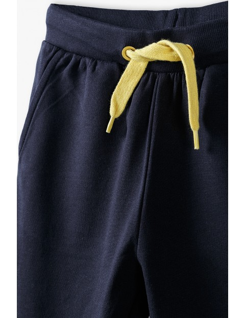 Bawełniane spodnie dresowe chłopięce czarne
