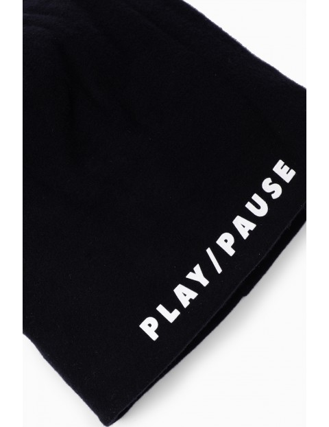 Czapka chłopięca z napisem- Play/Pause