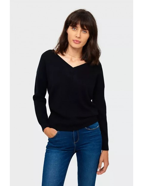 Sweter damski z dekoltem w serek - czarny