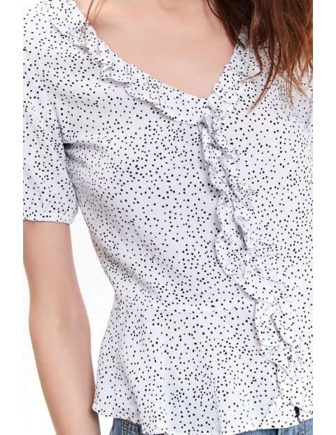 Biała bluzka damska z baskinką w małe czarne kropeczki