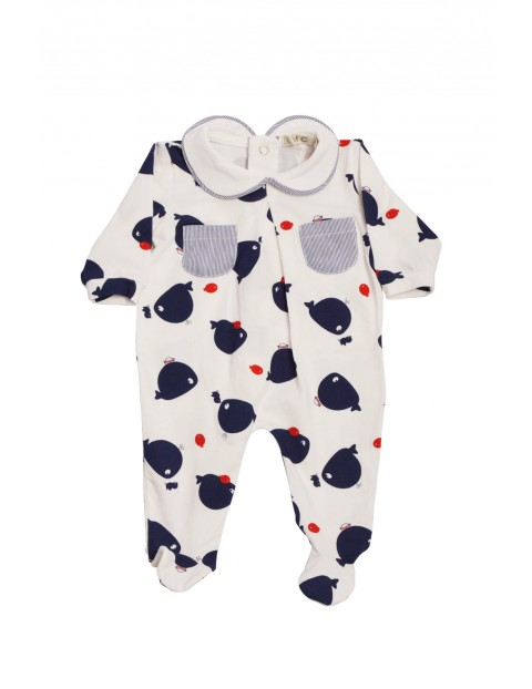 Pajac dla niemowlaka wzór wieloryby
