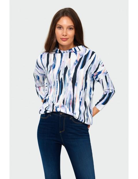 Sweter damski w kolorowe wzorki - biały