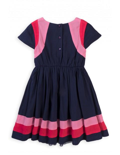 Sukienka dziewczęca z rozkloszowanym dołem