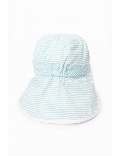 Niebieska czapka niemowlęca z daszkiem i ochroną na szyję