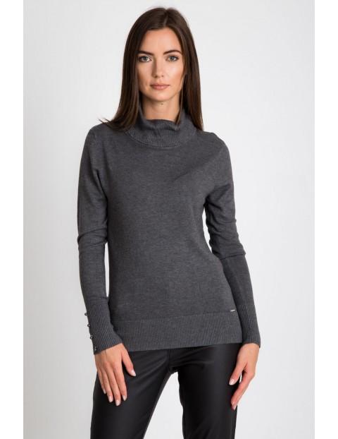 Szary sweter ze ściągaczowym golfem
