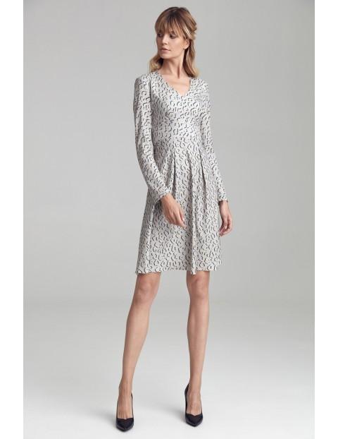 Wzorzysta sukienka z dwoma kontrafałdami - panterka