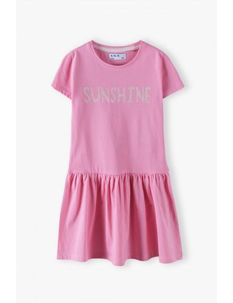 Sukienka na  krótki rękaw z napisem Sunshine - różowa
