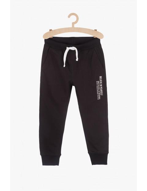 Spodnie dresowe- czarne