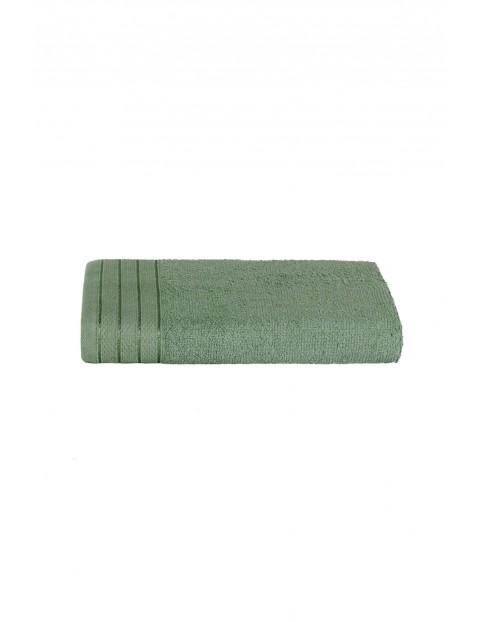 Bawełniany ręcznik  w kolorze zielonym o wymiarach 50x90 cm