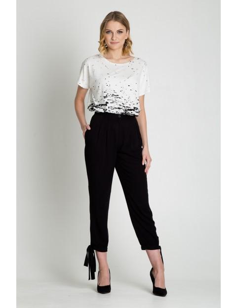 Spodnie damskie z ozdobnymi wiązaniami w kolorze czarnym