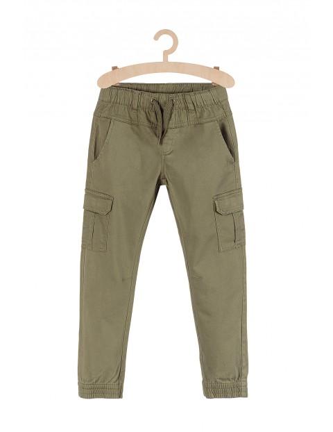 Spodnie bojówki- zielone z kieszeniami