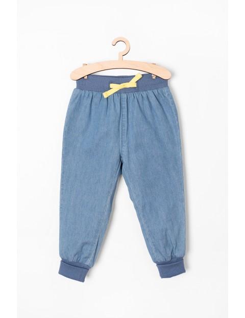 Spodnie dla niemowlaka jeansowe- niebieskie